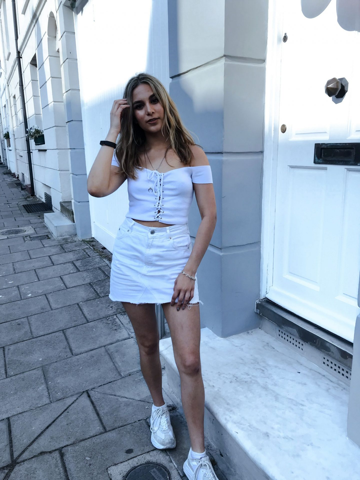 yasmin stefanie all white outfit topshop ciara chunky trainers