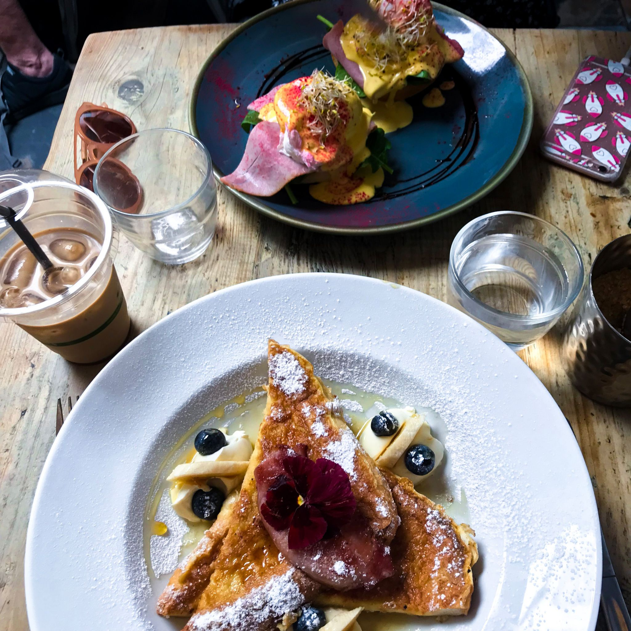 yasmin stefanie jenni roberts brighton hove brunch cafe coho french toast eggs benedict