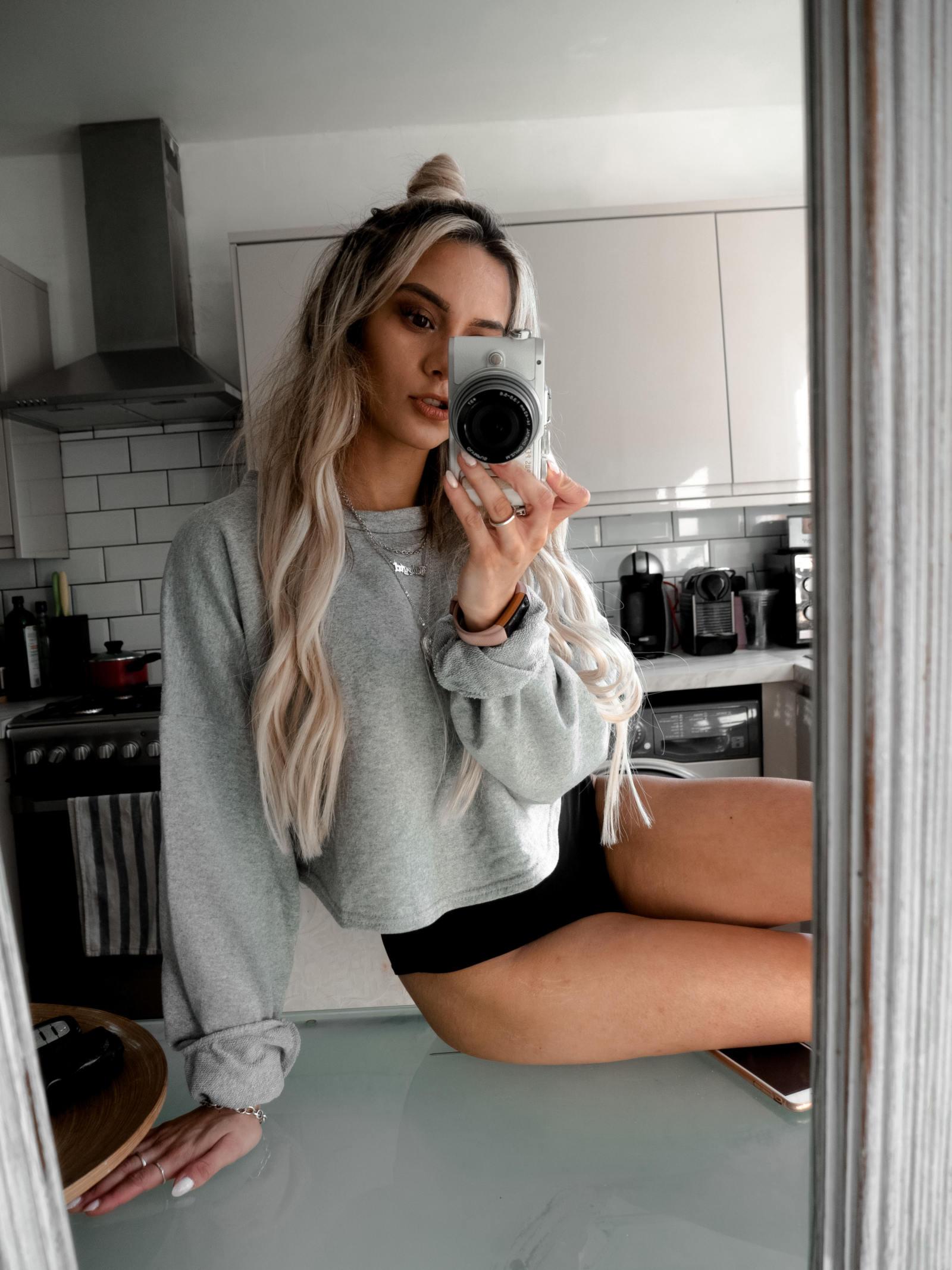 yasmin stefanie boohoo loungewear sweatshirt hot pants